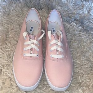 Women's size 8.5 pink breast cancer keds. New